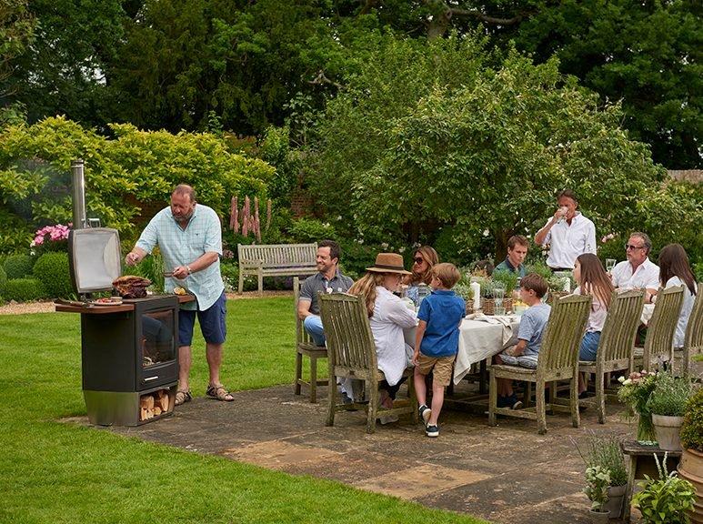 Chesneys HEAT 600 walled garden shot2