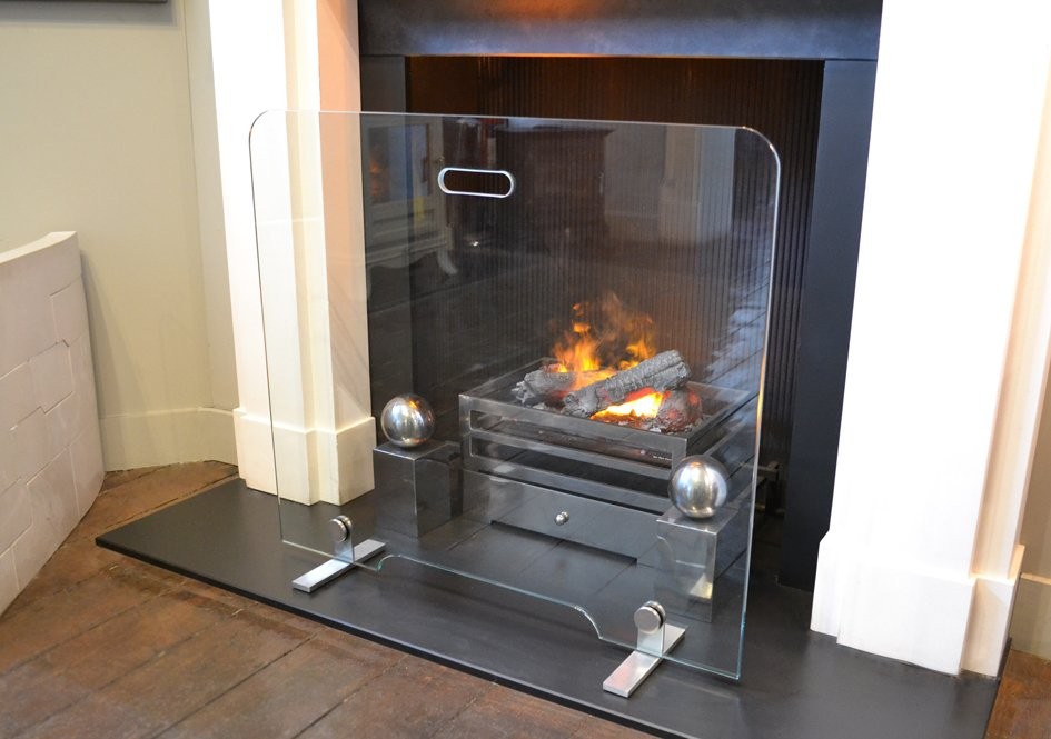 flat-glass-fire-screen